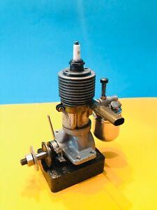 WAHL-BROWN - JR.-SPECIAL / Vintage spark Plug model Airplane Engine