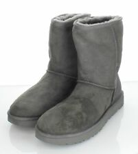 20-31 NEW $200 Women's Sz 10 M Ugg Classic Short Waterproof Suede Boot