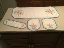 Vintage Embroidered Crochet Doilies Runners Floral Four Matching Flower Baskets
