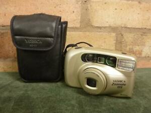 nice Yashica Zoomate 105 35mm camera 38-105mm lens with case