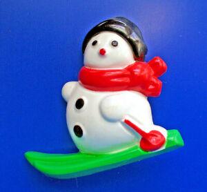Avon PIN Christmas Vintage SNOWMAN on Skis Snow SKIING Holiday Brooch HONG KONG