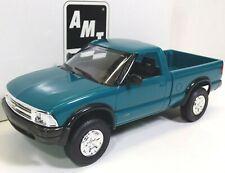 1994 Chevrolet S-10 4x4 Teal Green Metallic AMT Ertl Promo Pick-Up Truck #6118