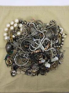 Lot Of Silver/Goldtone Fashion Jewelry Grabbag (6.85lbs)