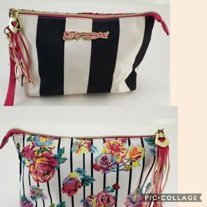Betsey Johnson Clutch Cosmetic Makeup Wristlet Large Black White Floral PreOwned