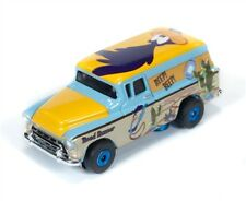 AUTO WORLD ~ Road Runner '57 Chevy Suburban ~ Looney Tunes ~ Fits Aurora, AW