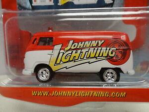 Johnny Lightning '65 VOLKSWAGEN Delivery VAN Red 1965 VW Truckin' America