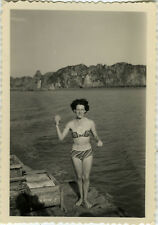 PHOTO ANCIENNE - VINTAGE SNAPSHOT - FEMME SEXY MAILLOT BAIN BIKINI PIN UP -WOMAN
