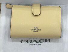 Coach Vanilla Cross Grain Leather Medium Corner Zip Wallet F511484 NWT $165