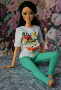№052 Handmade Doll Clothes. T-shirt and Leggings for Dolls.