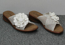 NEW Trueform White Woven Mules Sandals with Flower Size 3/36 E (WIDE FIT)
