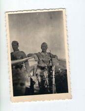 originales Foto zwei Soldaten in Russland mit Waffen  2 WK