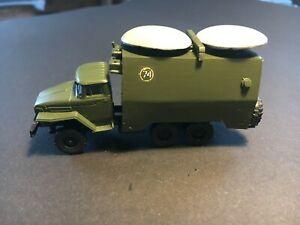 Arsenal M Resin UdSSR NVA   URAL-375 mit 2 Teller-Radar-Antennen RSO   #174