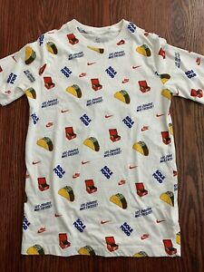 Nike Sole Food Graphic T Shirt Tacos Zapatos Mas Frescos Youth XL Mens Small