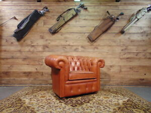 Chesterfield vintage Club armchair in light brown leather.