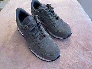 Nike Internationalist, neu, grau, Größe EUR 44