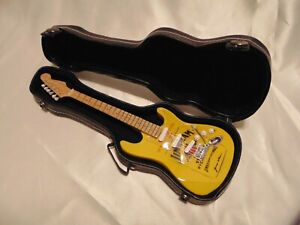 EXTREMELY RARE>>Jim Beam Rye Yellow Model Guitar W/ Hard Case