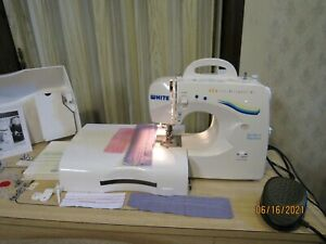 White Quilter's Model 1740 Portable Zig Zag Sewing Machine