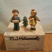 M.J. HUMMEL CHRISTMAS CHOIR FIGURE LOT OF 2 - THE DANBURY MINT 2015 LOT #5