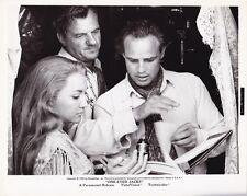 Director MARLON BRANDO KARL MALDEN Original CANDID Vintage ONE EYED JACKS Photo