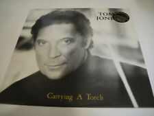 TOM JONES ‎– CARRYING A TORCH LP ORIGINAL 1991 UK