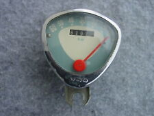 VDO Cheese Wedge Tachometer 1967 24-26-28 Inches 6202 km Linksanbau For