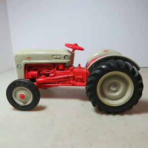 Ertl Ford NAA Jubilee Tractor Made USA 1/16 FD-803DO-GS