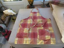 Le Creuset ladies tartan apron with 2 matching pot carriers one size