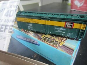 h o trains: New in box ATHEARN BURLINGTON ROUTE reefer kit 100% complete.