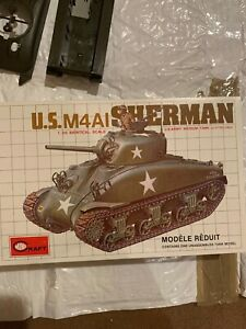 1/35 WWII US M4A1 Sherman tank model kit by Minicraft