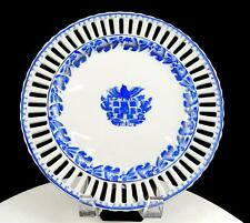 """AUSTRIAN ANTIQUE PORCELAIN BEEHIVE RETICULATED ARMORIAL HEAVY 9 3/4"""" PLATE 1850"""