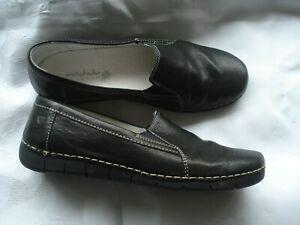 Moshulu Black Leather Slip On Flat Shoes ~Size 8 / EU 41~