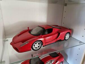 Hotwheels 56293 Red Ferrari Enzo 1:18 Scale