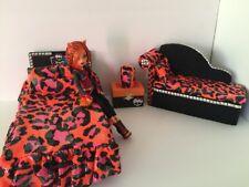 Monster High furniture Bedroom set:Toralei: Bed,sofa,lamp,wood Box