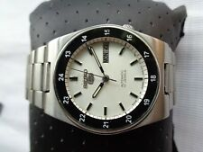 RARE USED VTG 7009 SEIKO 5 WHITE DIAL MILITARY STYLE GENTS AUTOMATIC WRISTWATCH