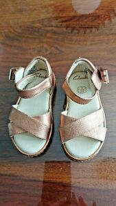 baby girls copper coloured strappy sandals clarks size 5F 21M used GC
