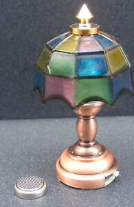 1:12 Scale Table Lamp LED With A Coloured Tiffany Shade Dolls House Light DE310