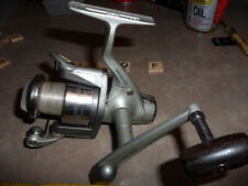 T1739 F BANAX BRISA 300 FISHING REEL WORKS GOOD