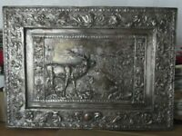 Antiguo cuadro de estaño repujado, cobreado plateado, Relieve ciervo,campestre