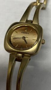Women's Fossil F2 Gold Tone Bracelet Watch ES-1174 New Battery Pretty!