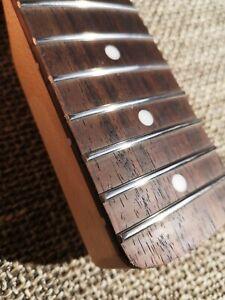Fender SQUIER Stratocaster Hals NECK Edelstahlbünde Stainless Steel Frets