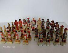 Il CHESSMEN romani vs egiziani dipinto a mano Set di scacchi