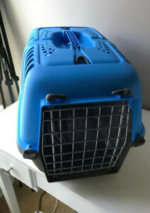 Homes for Pets Carrier 19 Inch, Blue