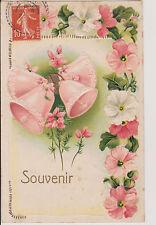 """CARTE POSTALE FANTAISIE  PAQUES/CLOCHE/GUIRLANDE DE FLEURS ROSES """"SOUVENIR""""1908"""