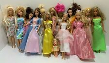 Barbie: clothing, accessories and 13 dolls; huge lot