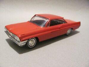 Vintage AMT 1961 Pontiac Bonneville Hardtop 1/25 Scale Built Kit - Red, Nice!