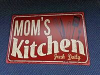 Plaque vintage en tôle lithographiée-MOM'S KITCHEN-FRESH DAILY-déco maison