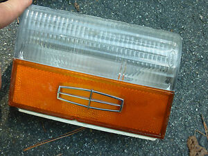 LINCOLN VERSAILLES TURN SIGNAL LIGHT 1979