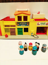 Vintage 1973 Fisher Price Little People Theater Play Family Village Set
