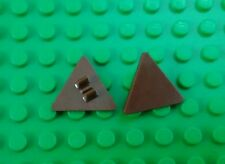 *NEW* Lego Reddish Brown Triangle Shields Sign w Clips Minifigs Figs - 2 pieces