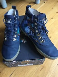 Keds Rifle Paper Co. Scout Water-Resistant Boot Garden Party, Navy Multi Size 7